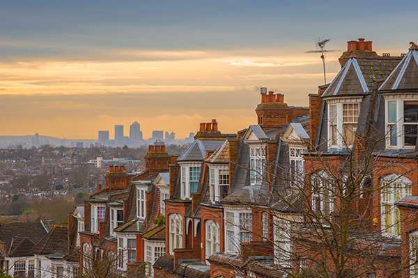 Row of victorian houses 600x400