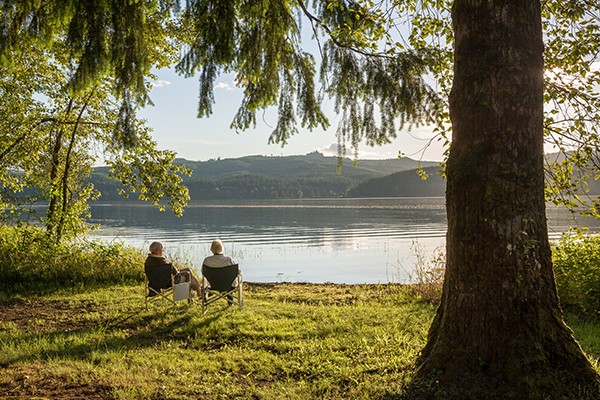 Older couple by lake 600x400